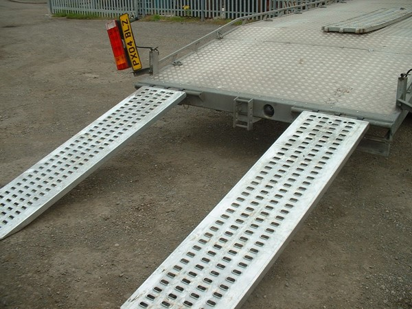 Land rover loading ramps